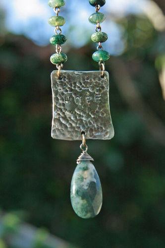 Hope necklace_pendant detail