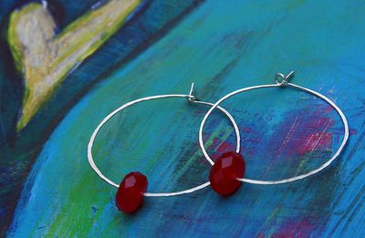Cherry quartz hammered hoops