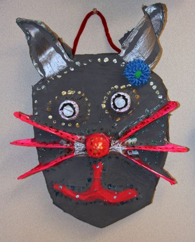 Finn's art class open house_7_22_09 Cat Mask