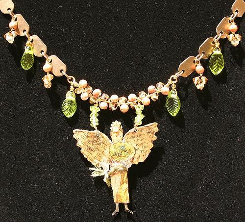 Fan Dance necklace