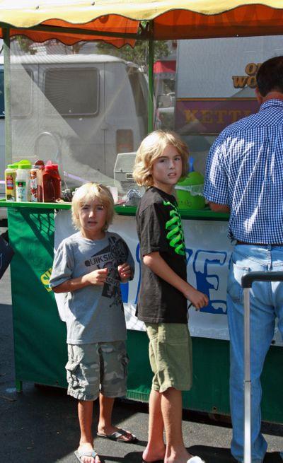 Farmer's market sept 26_boys in line_edits