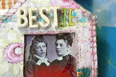 File_Kelly's Ornament_2011_Adorn_2011 11 22_0096_edited-1