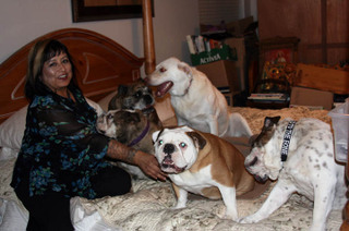 Sylvia_and_her_pups_2