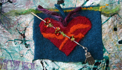 553_wool_heart_and_steel_hand_kelly