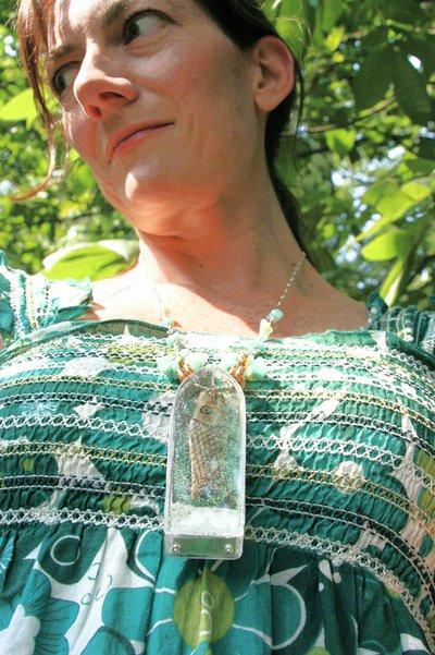 Glittering_sea_necklace_2