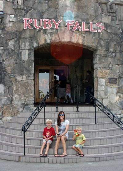 Ruby_falls_stairs_3