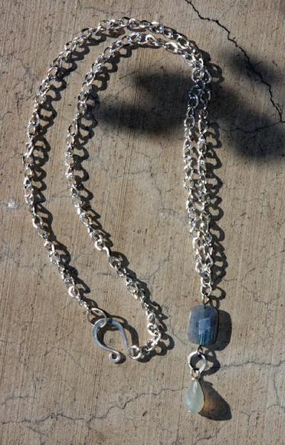 Labradorite_and_chalcedony_necklace