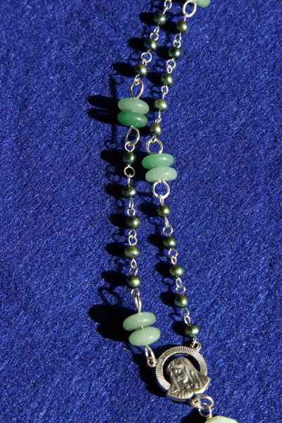 Necklace_for_crystal_pearls_and_ave